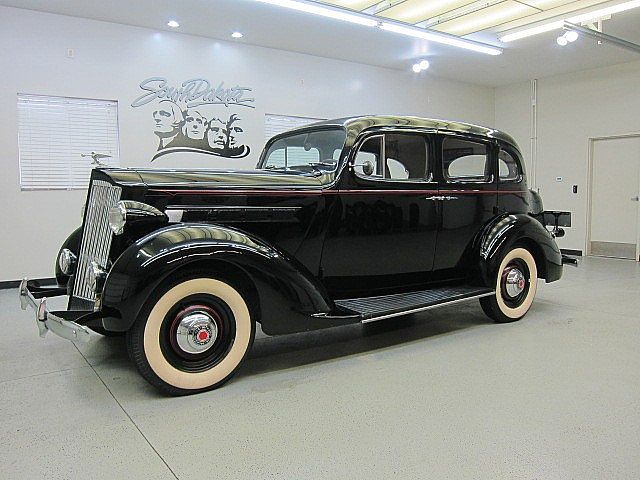1937 Packard 115C - Information and photos - MOMENTcar