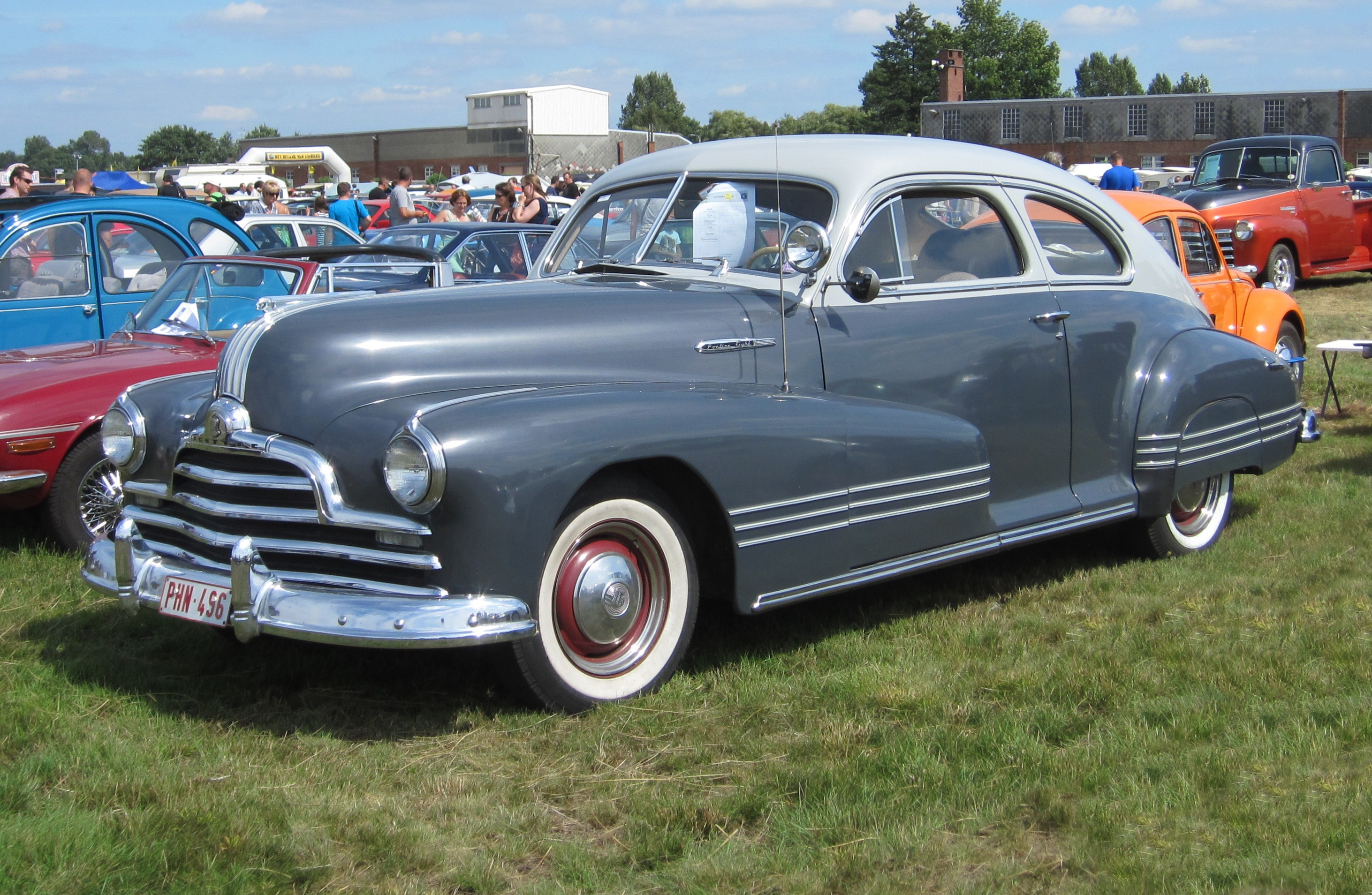 Who Makes Cadillac >> 1947 Pontiac Streamliner - Information and photos - MOMENTcar