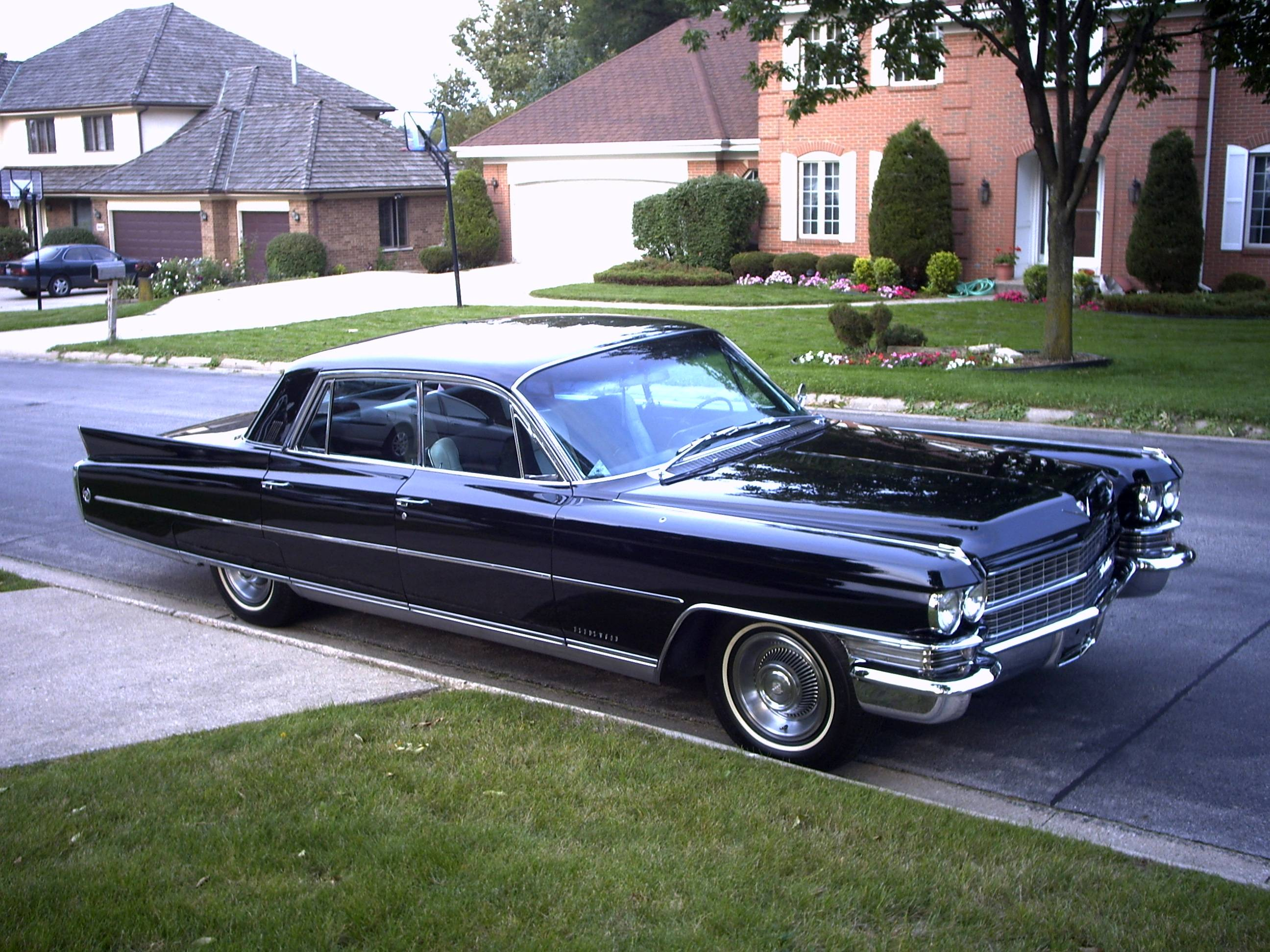 photos information fleetwood zombiedrive cadillac for and sale