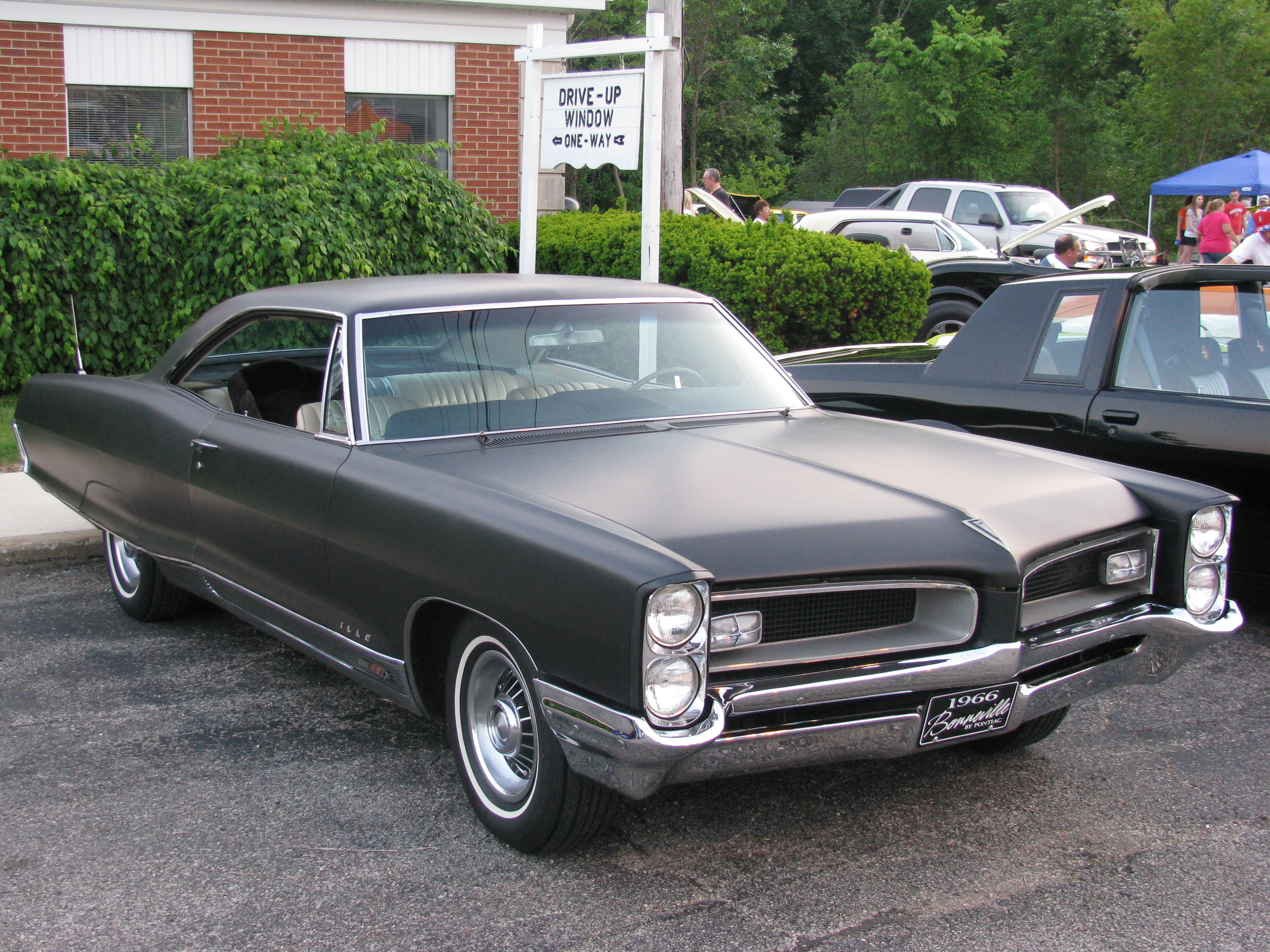 1966 Pontiac Bonneville - Information and photos - MOMENTcar