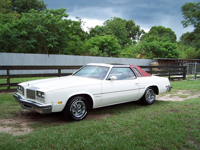 1977 oldsmobile cutlass information and photos momentcar for 1977 olds cutlass salon