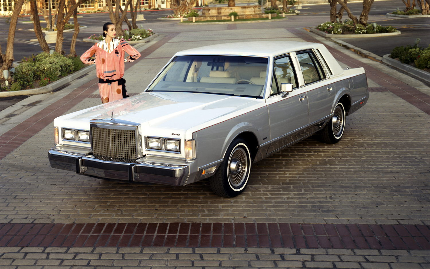 1985 Lincoln Town Car Information And Photos Momentcar