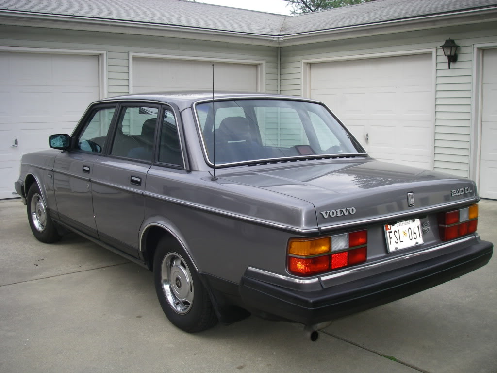 1988 Volvo 240 - Information and photos - MOTcar