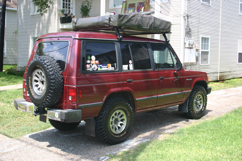 1989 Mitsubishi Montero - Information and photos - MOTcar