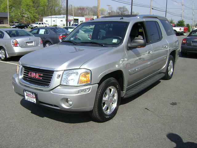 2004 gmc envoy xl information and photos momentcar. Black Bedroom Furniture Sets. Home Design Ideas