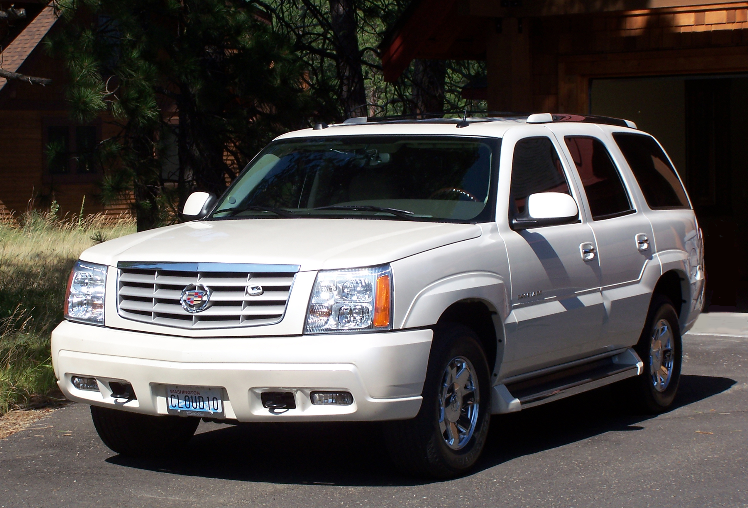 ent suv of on esv for download cadillac s escalade car update blog image nav rear item sale