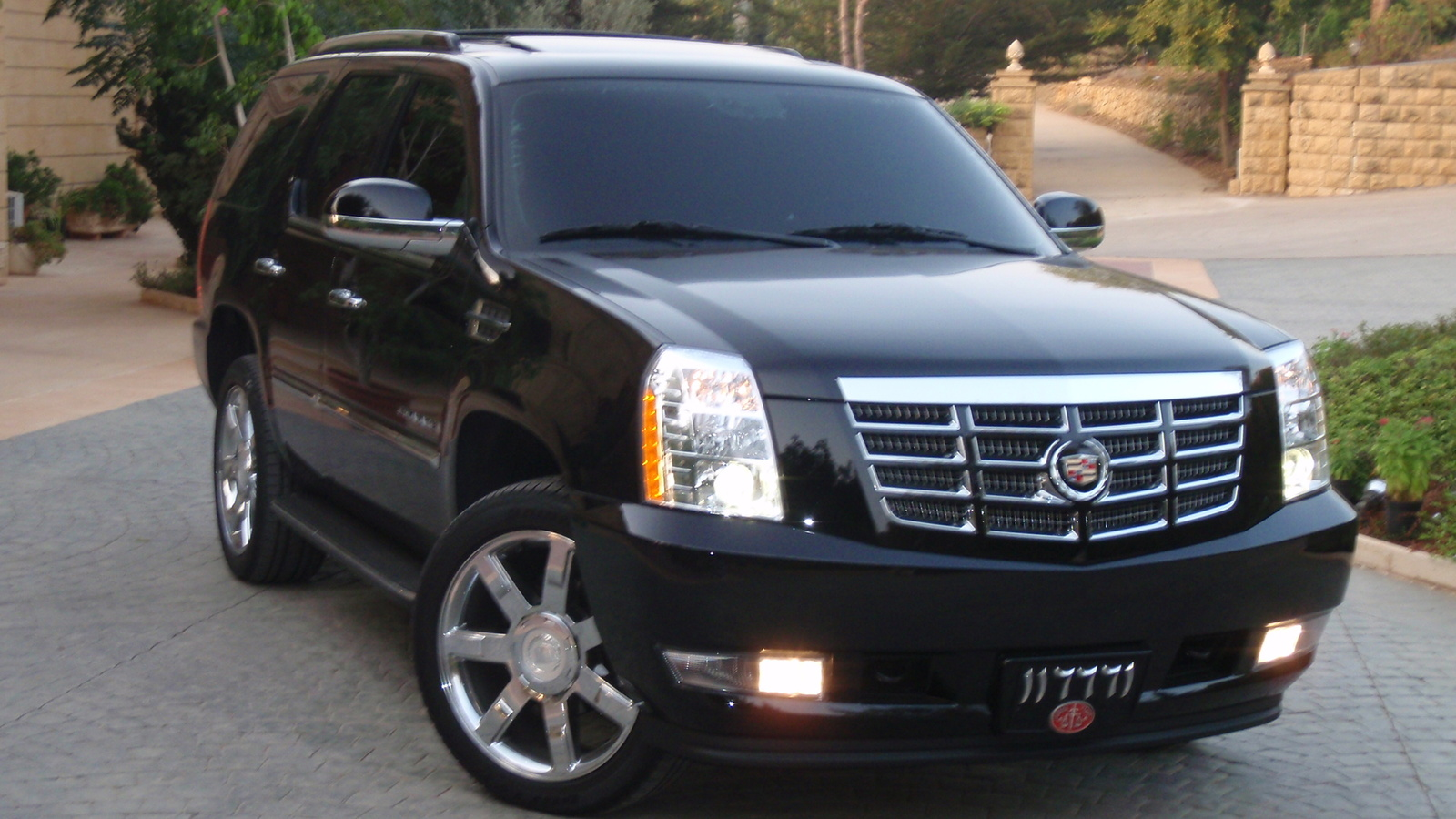 2008 cadillac escalade information and photos momentcar. Black Bedroom Furniture Sets. Home Design Ideas