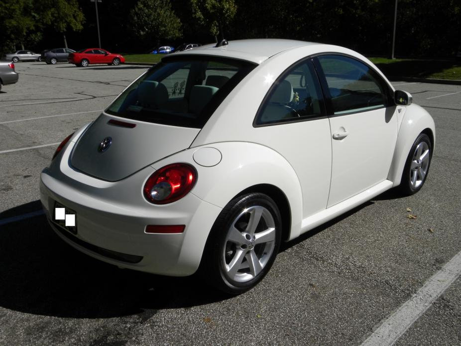 2008 Volkswagen New Beetle - Information and photos - MOMENTcar