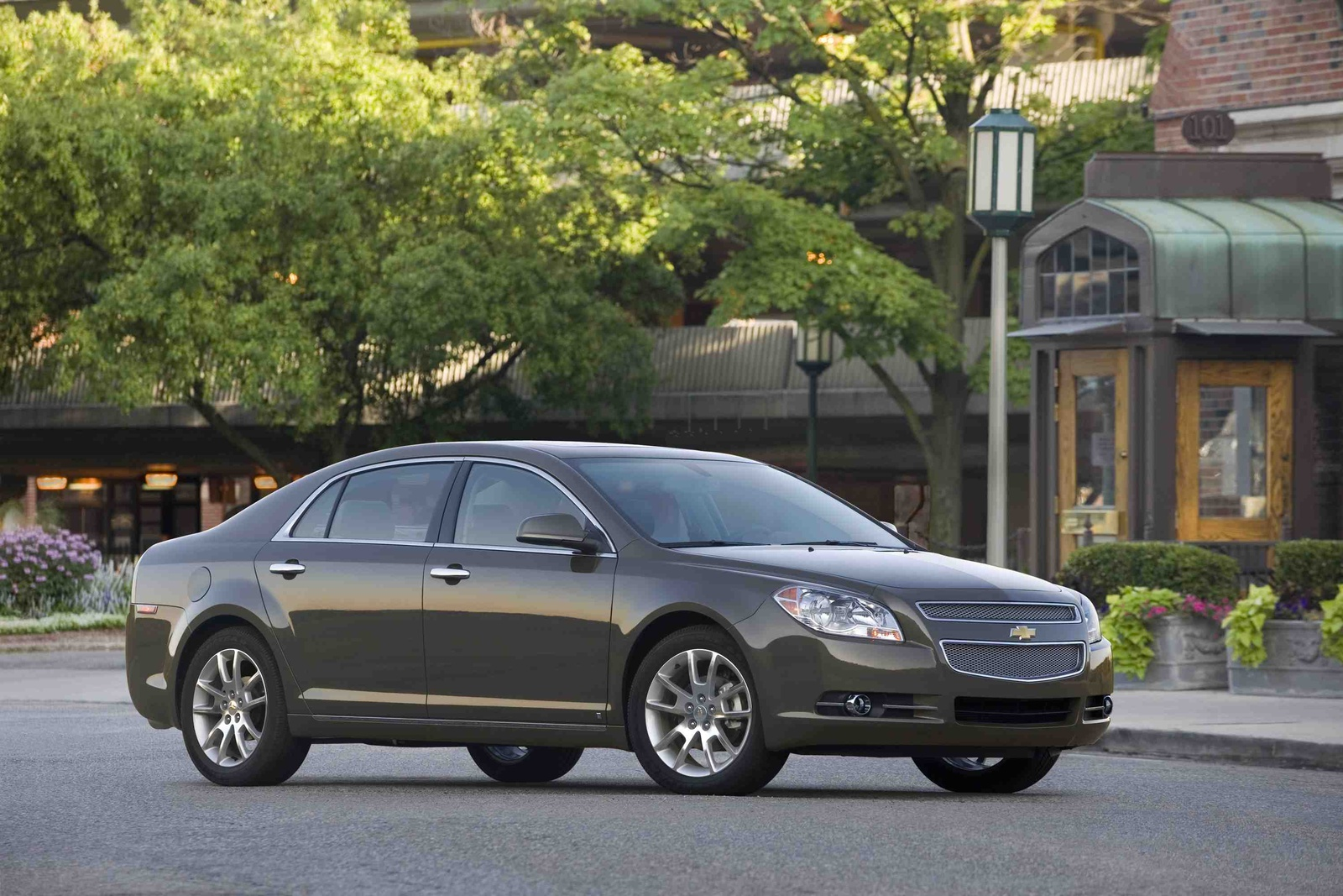 2010 Chevrolet Malibu - Information and photos - MOMENTcar