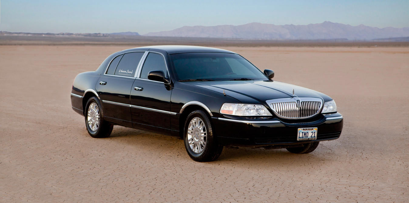 2011 Lincoln Town Car Information And Photos Momentcar