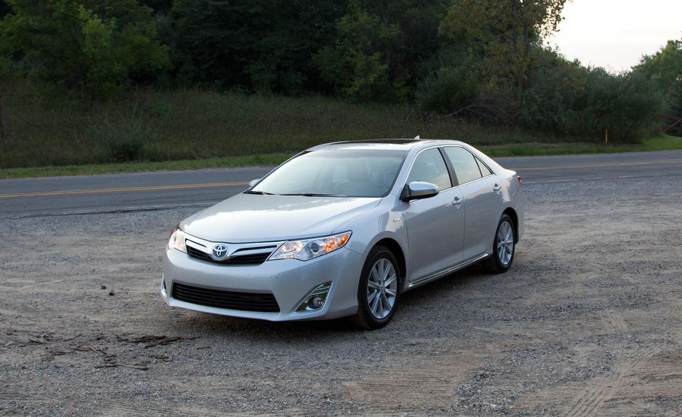 2012 Toyota Camry Hybrid - Information and photos - MOMENTcar