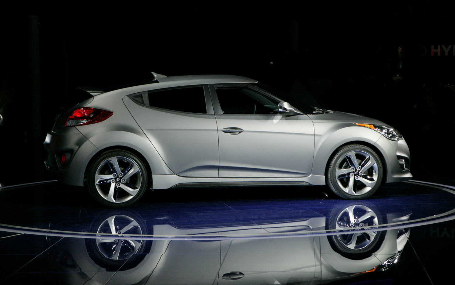 2013 hyundai veloster information and photos momentcar. Black Bedroom Furniture Sets. Home Design Ideas