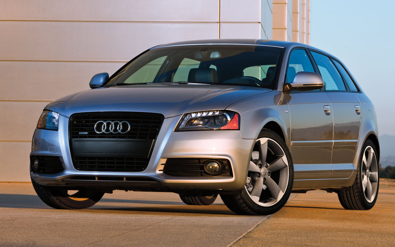A3 Audi 2011 Hatchback - Without Compromising Luxury in Any Way #11