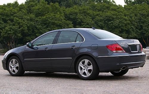 Acura 2008 TL boosting the confidence of the driver #7
