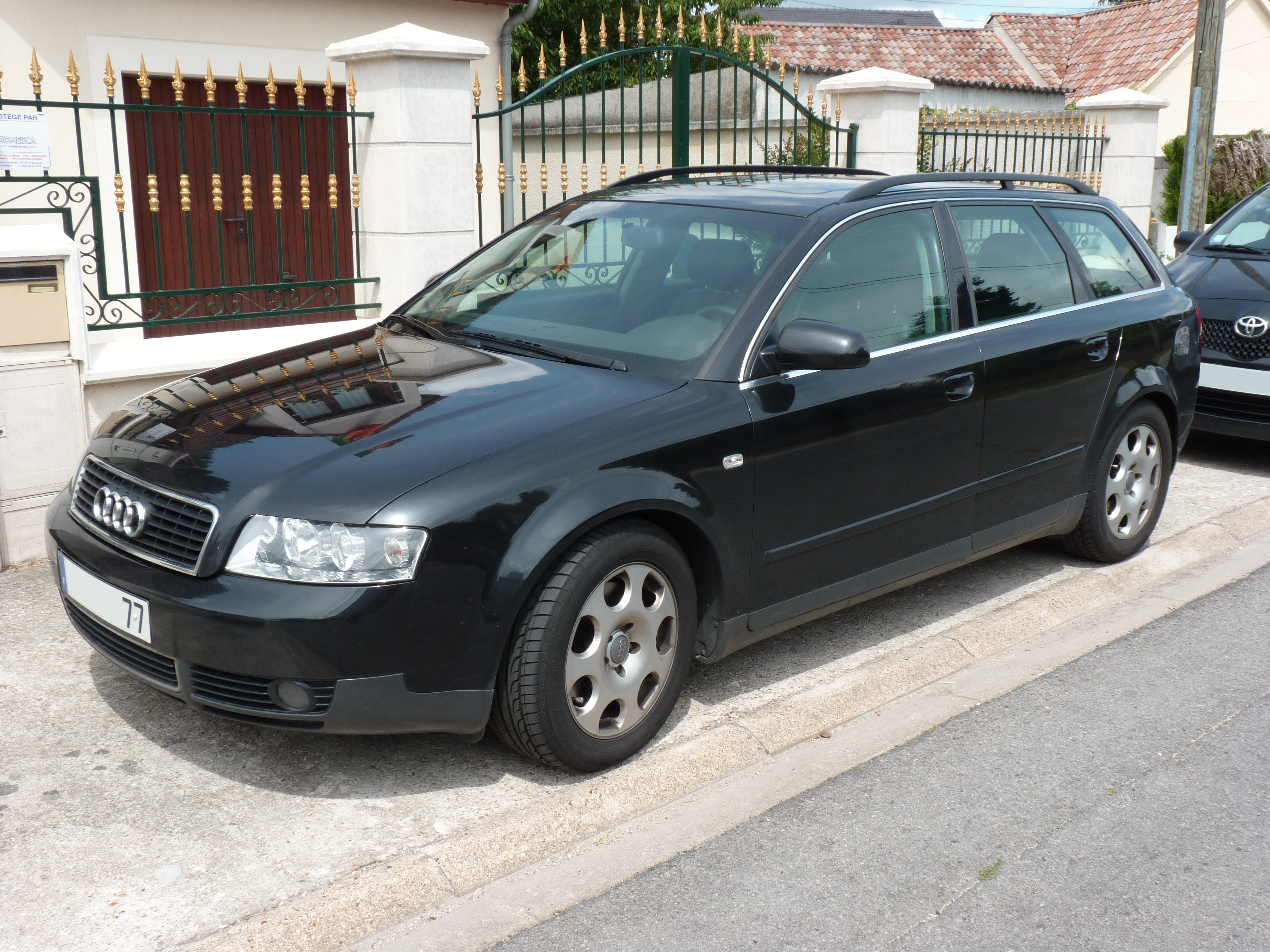 Audi 2002 A6, an attractive and efficient model #3