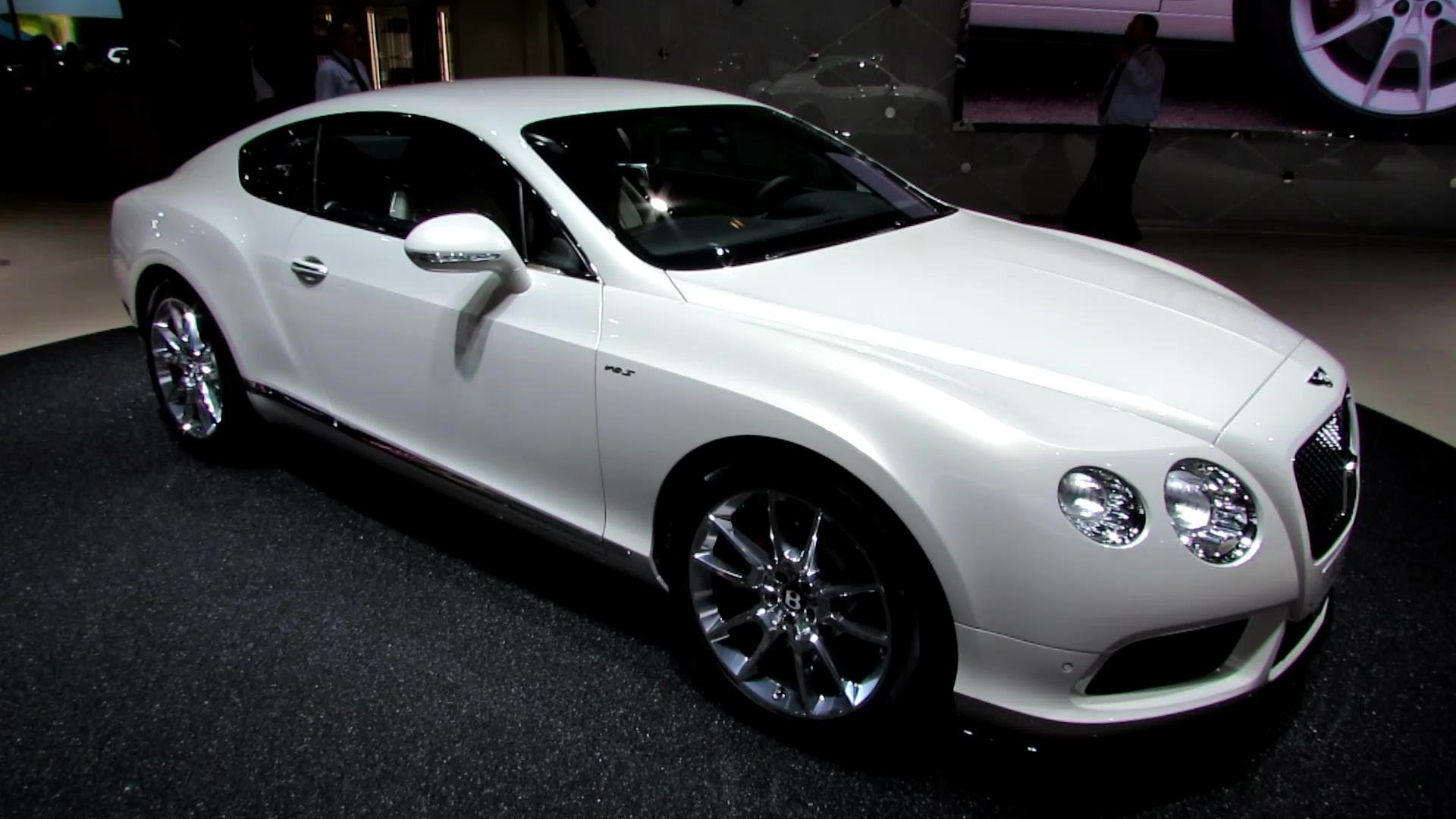 A stunning supercar of Bentley 2015 Continental #2