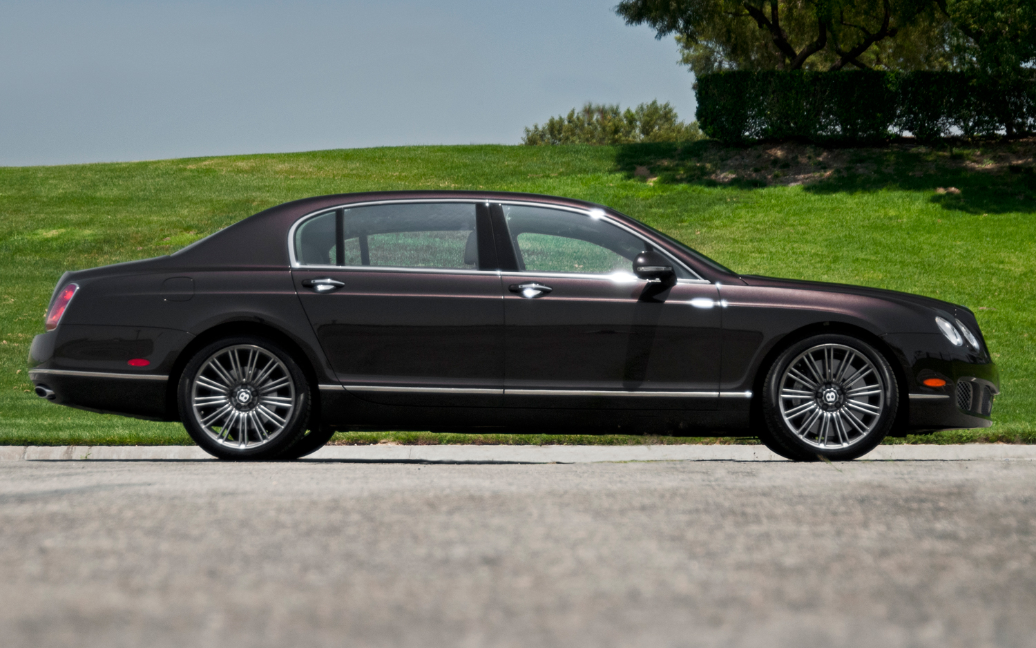 Bentley Continental Flying Spur 949px Image 4