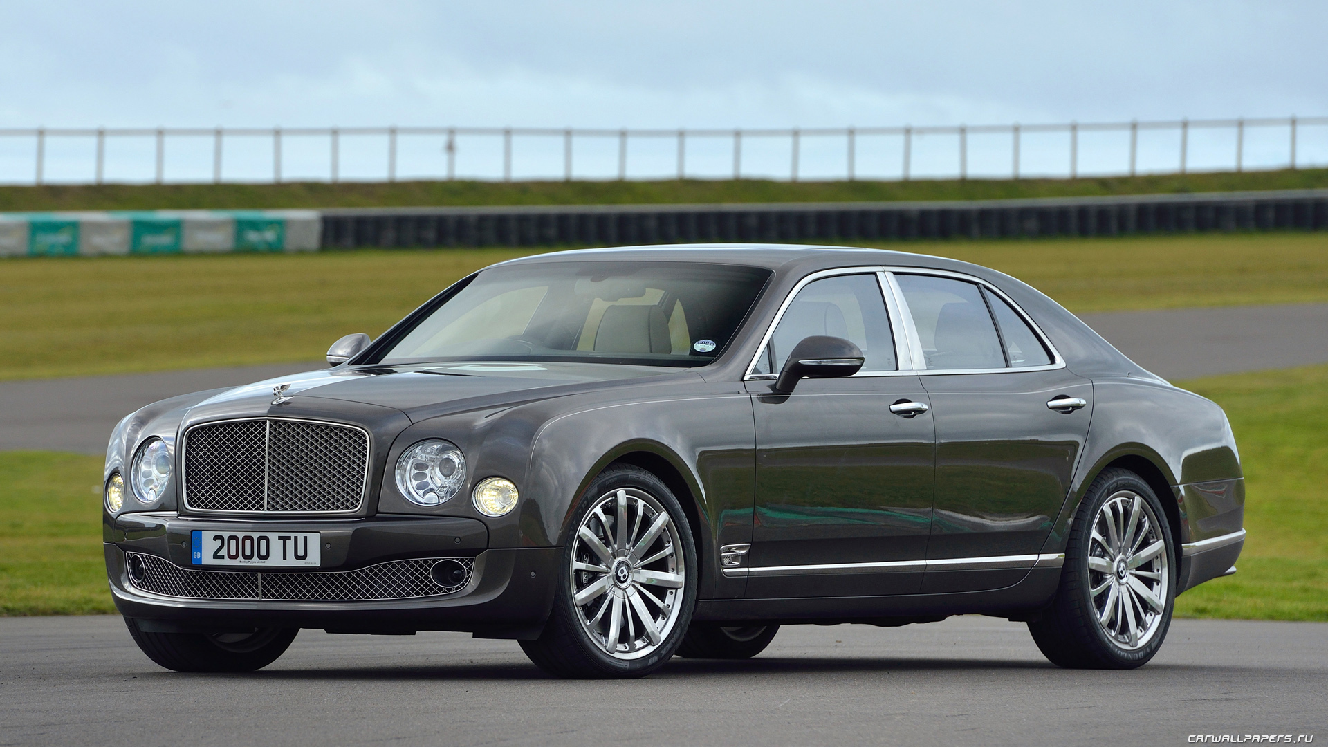 2013 Bentley Mulsanne Mulliner Start Up, Exhaust, and In Depth ...