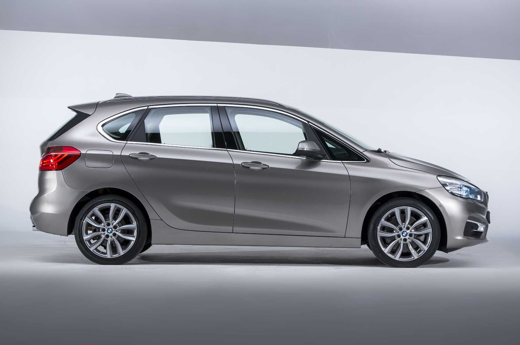 BMW 2 Series Active Tourer 2016 #4