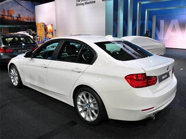 What can BMW 2013 528 suggest to the customer? #5