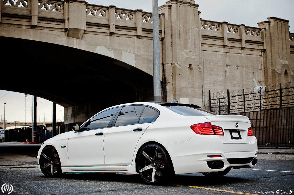 2012 bmw 5 series information and photos momentcar. Black Bedroom Furniture Sets. Home Design Ideas