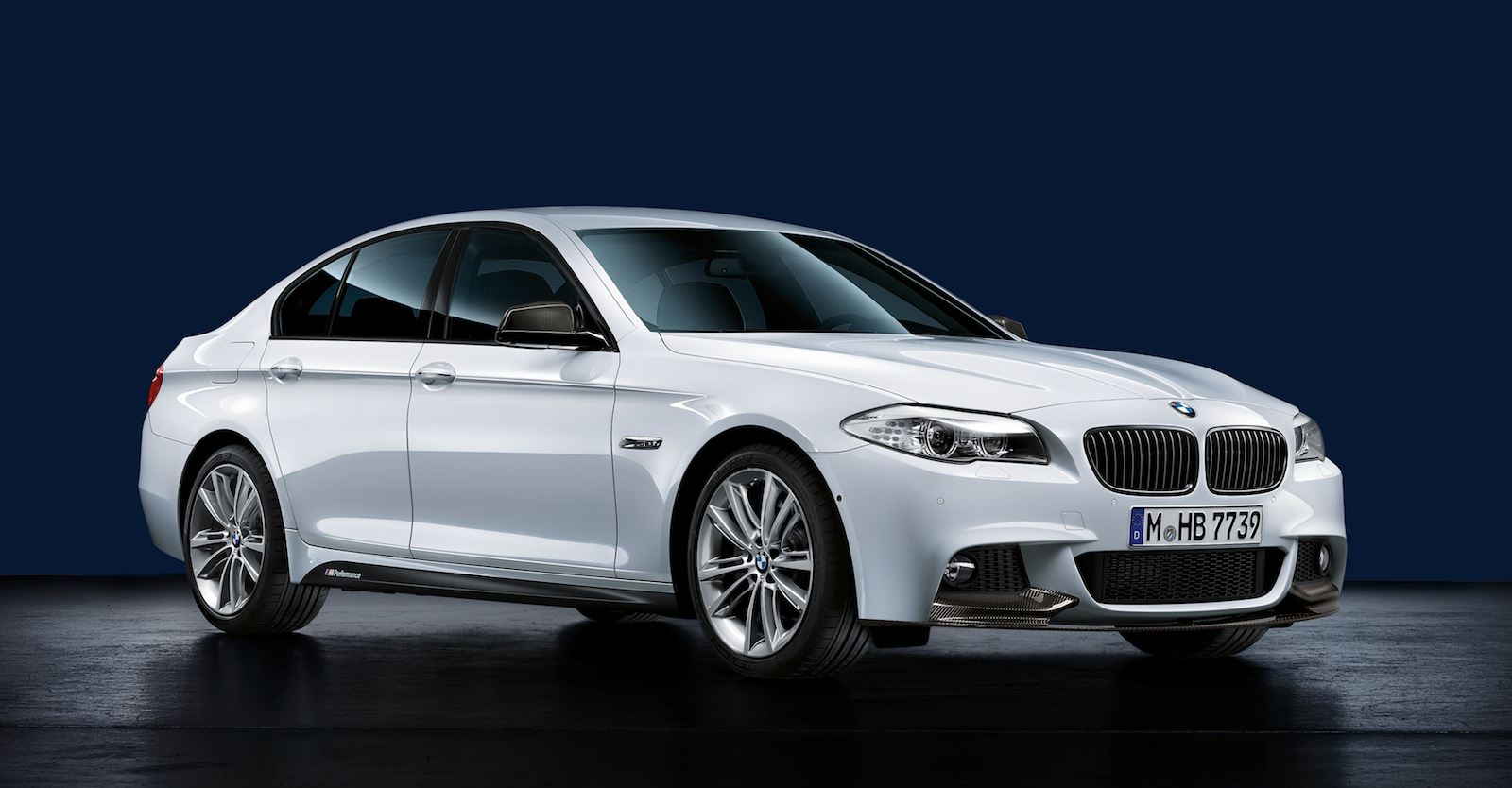 2013 bmw 5 series information and photos momentcar. Black Bedroom Furniture Sets. Home Design Ideas