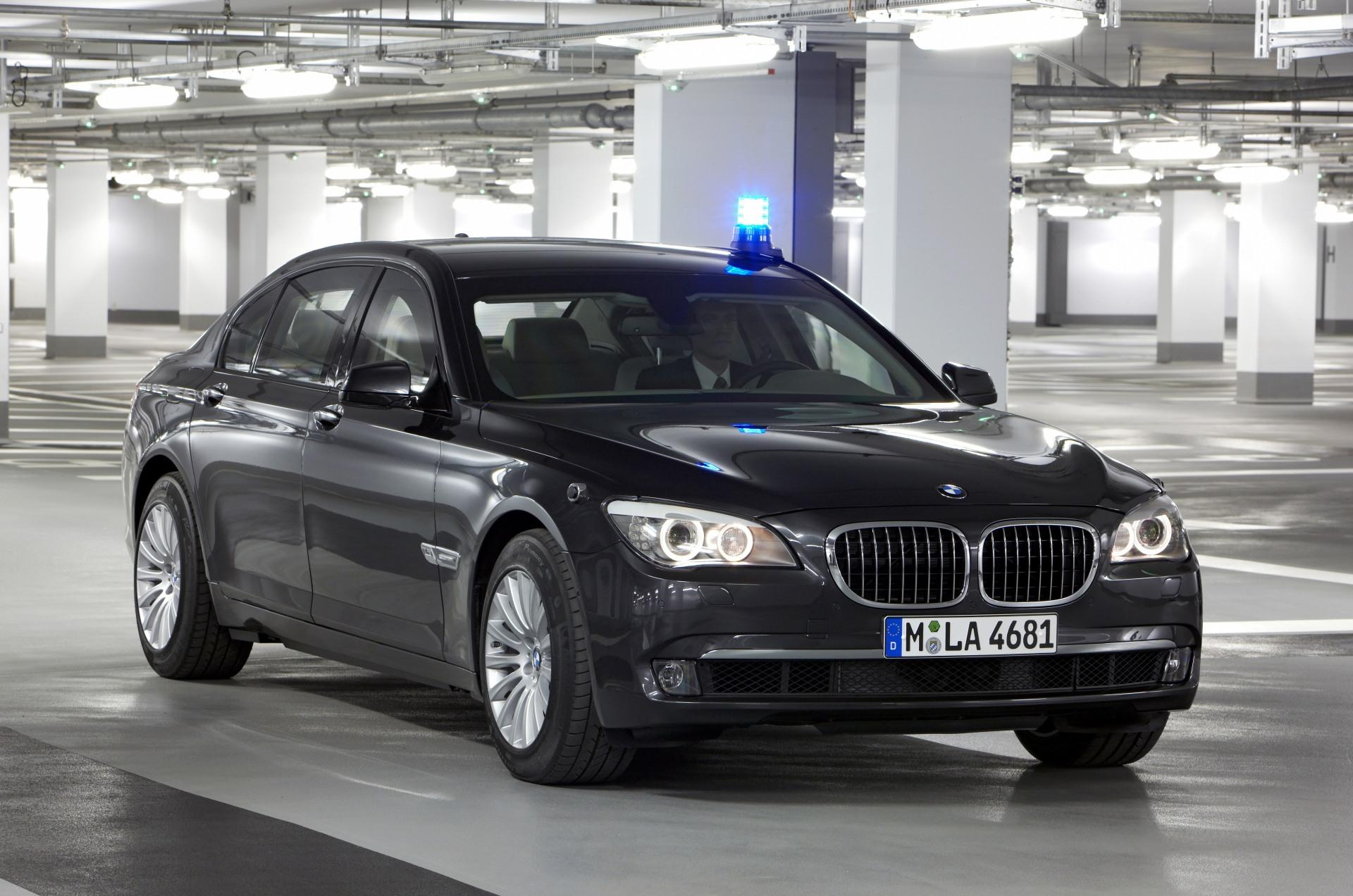 2011 bmw 7 series information and photos momentcar. Black Bedroom Furniture Sets. Home Design Ideas