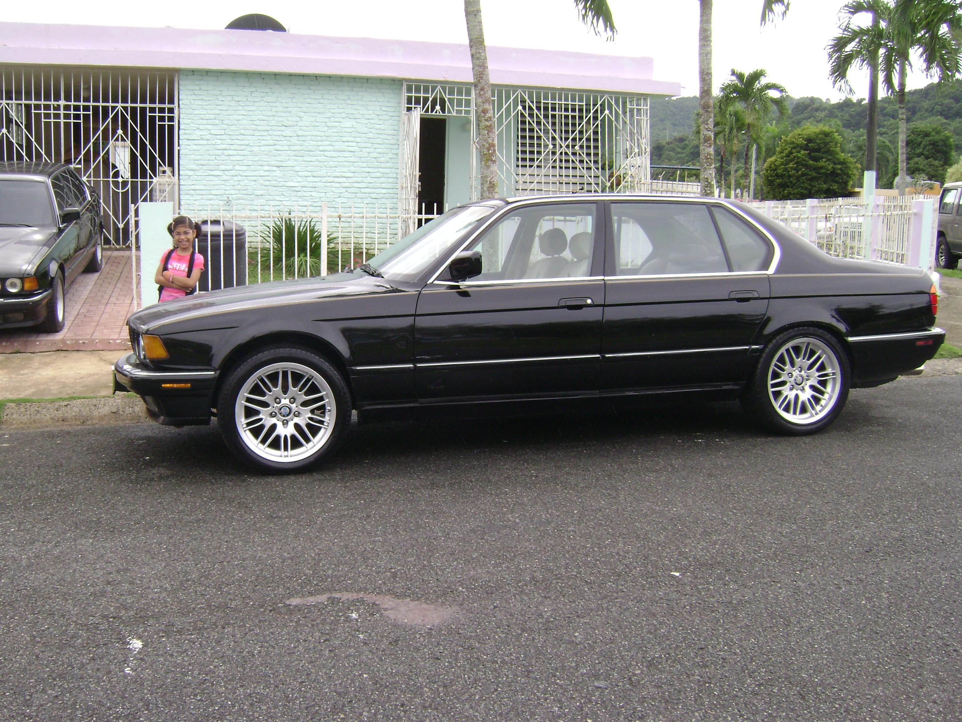 BMW 7 Series 735iL #33