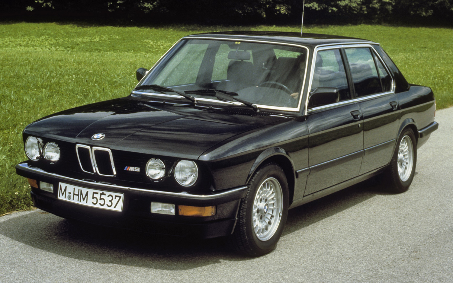 1988 Bmw M5 Information And Photos Momentcar