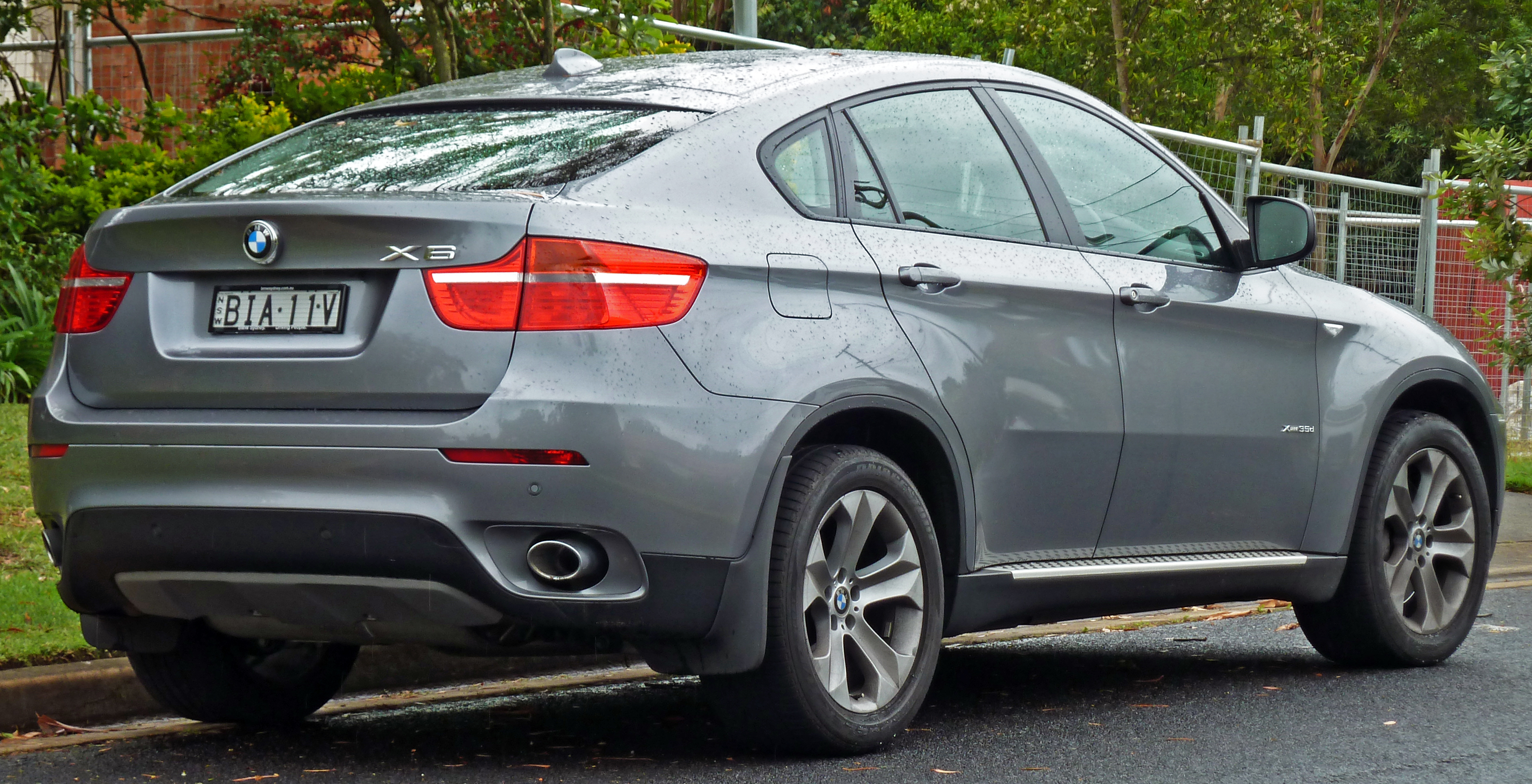 bmw x6 - information and photos - momentcar