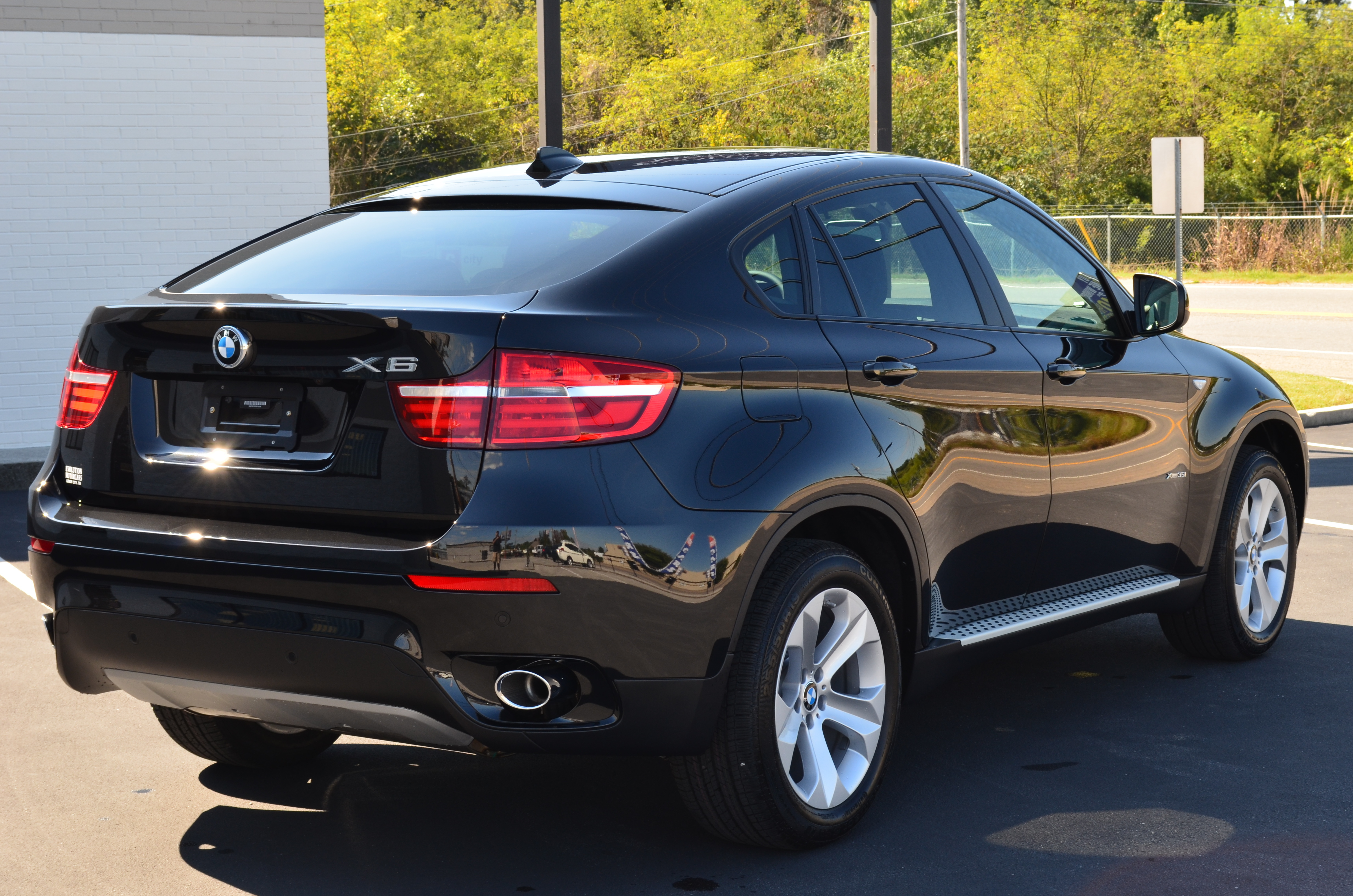 2014 bmw x6 information and photos momentcar. Black Bedroom Furniture Sets. Home Design Ideas