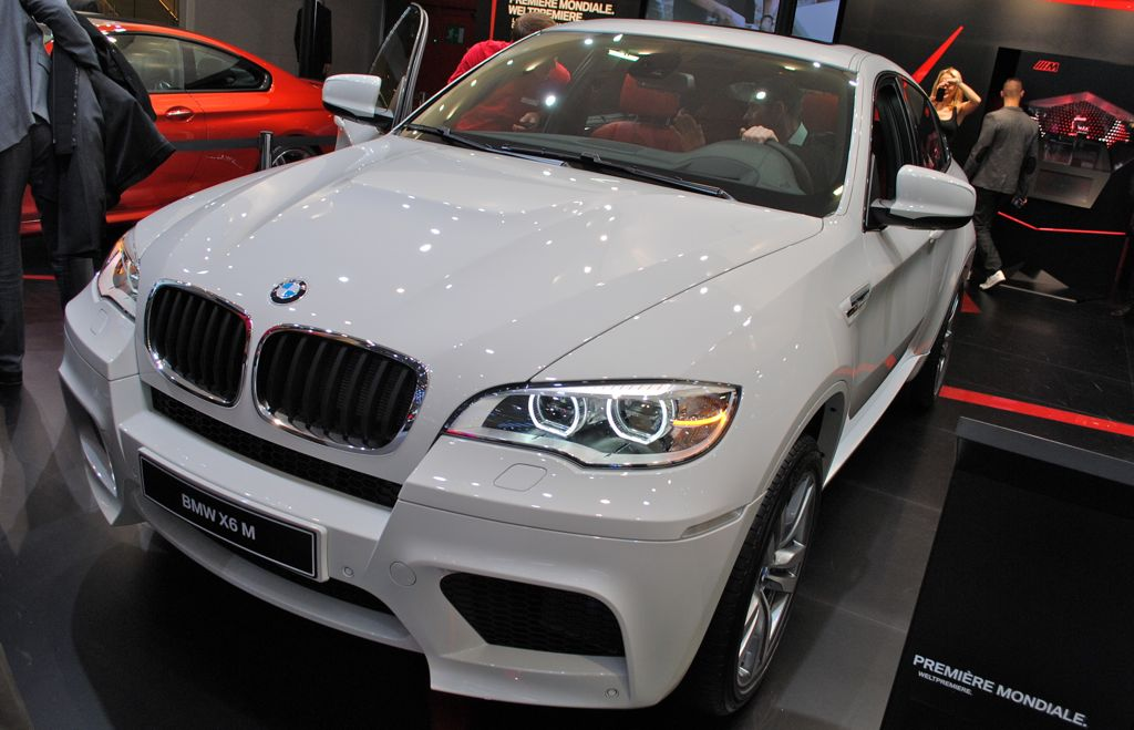2013 bmw x6 m information and photos momentcar. Black Bedroom Furniture Sets. Home Design Ideas