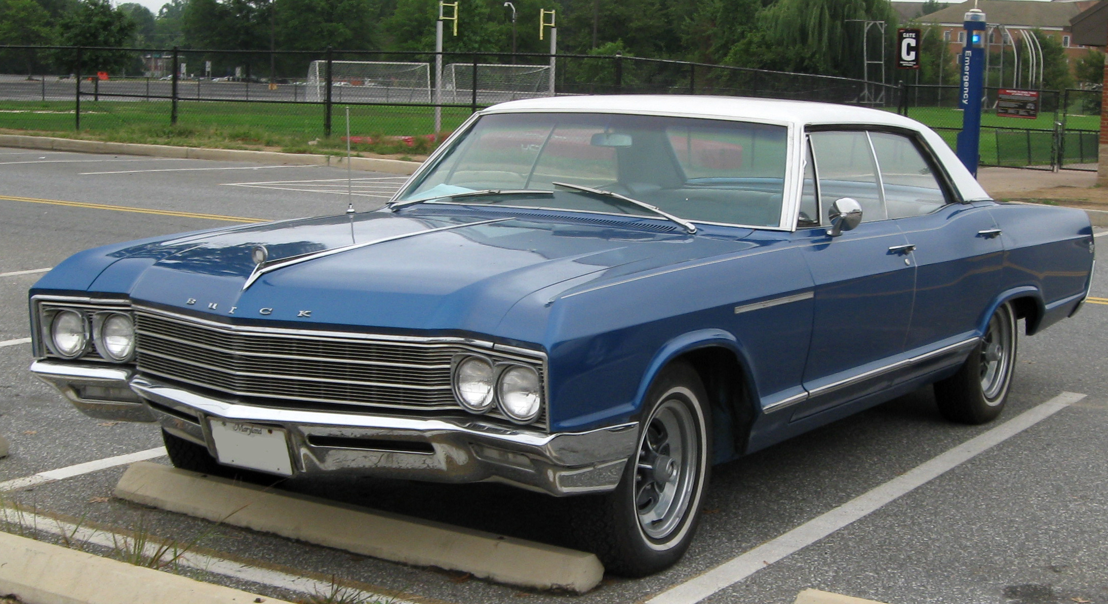 definitely man nov buick buicks car on for roadmaster hemmings from blog an heads daily adolphus auction old rain traver today to david excellent sale
