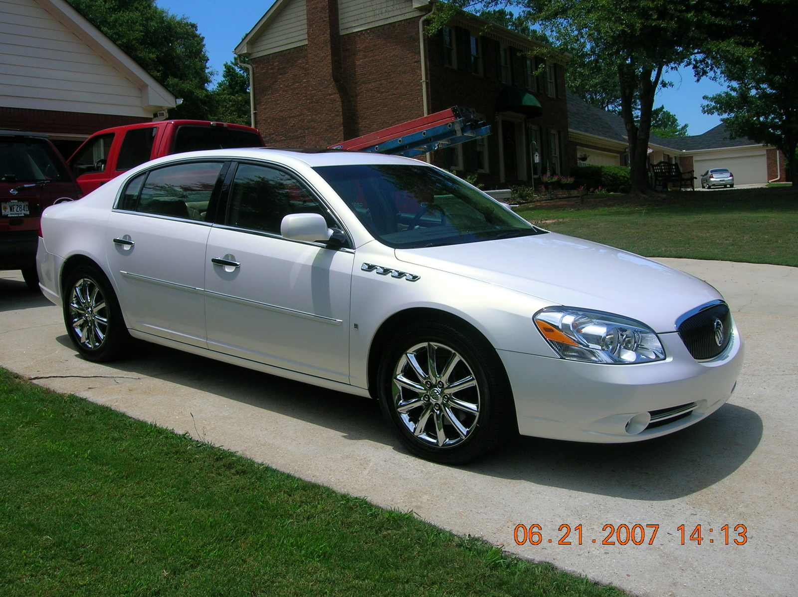Buick Lucerne Information And Photos Momentcar