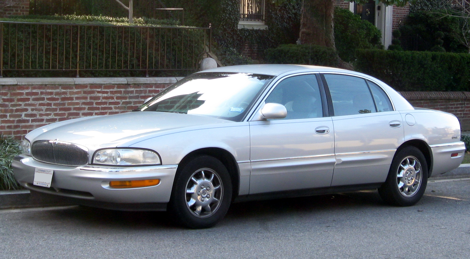 Buick Park Avenue on 2004 Buick Lesabre Custom