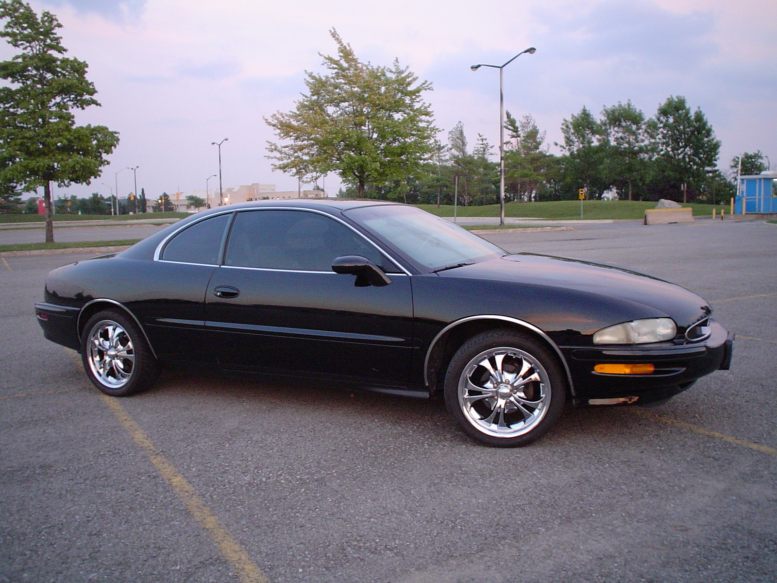 1986 Buick Regal >> 1995 Buick Riviera - Information and photos - MOMENTcar