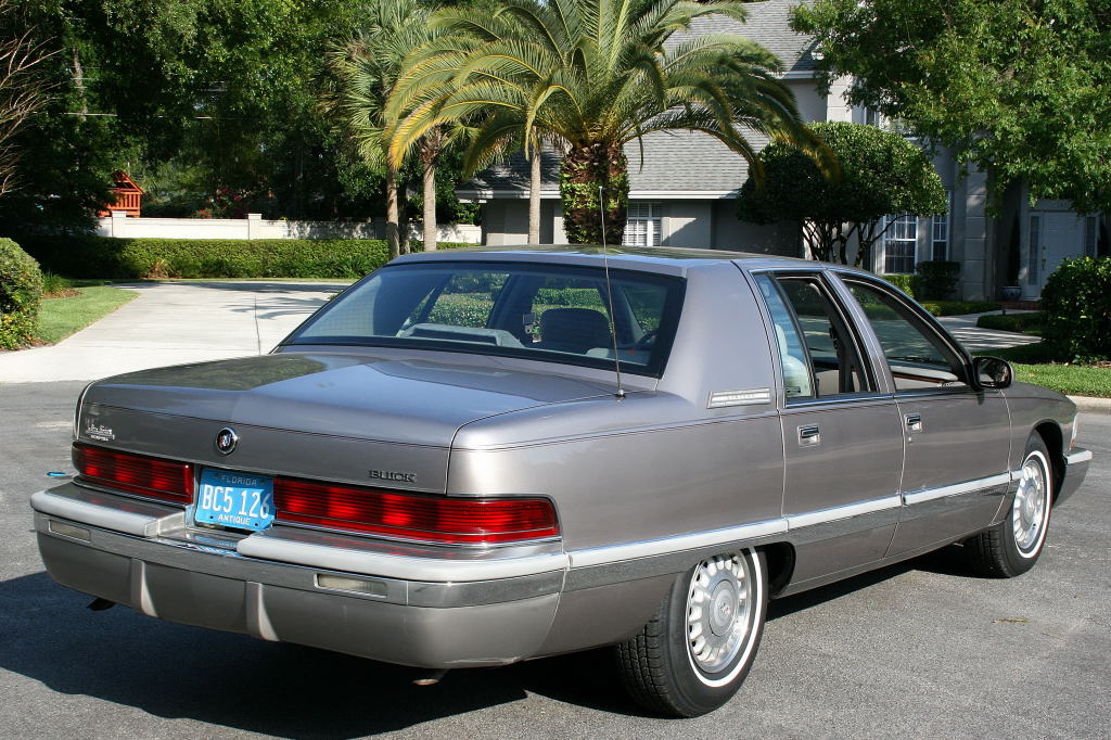 Hudson Nissan Nj >> 1995 Buick Roadmaster - Information and photos - MOMENTcar