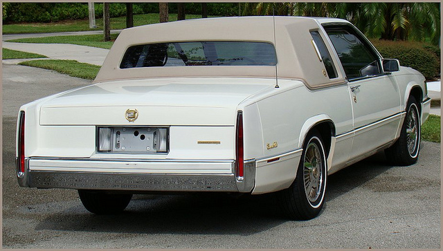 040shm175470 besides Photos in addition Oldtimer Velosolex S 3800 as well 4610754658 together with Photos. on cadillac deville