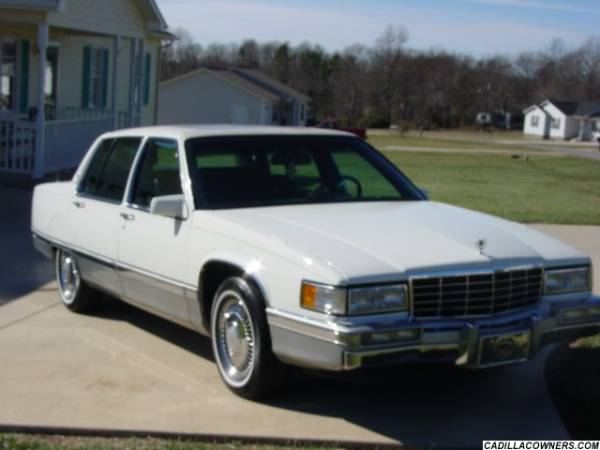 1996 Cadillac DeVille - Information and photos - MOTcar