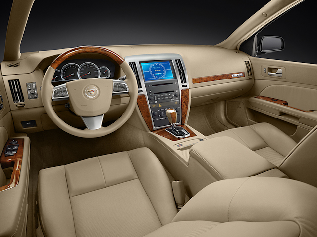 luxury sedan in wi veh auburndale collection cadillac dts