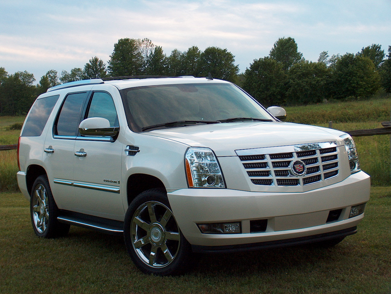 2007 Cadillac Escalade Information And Photos Momentcar