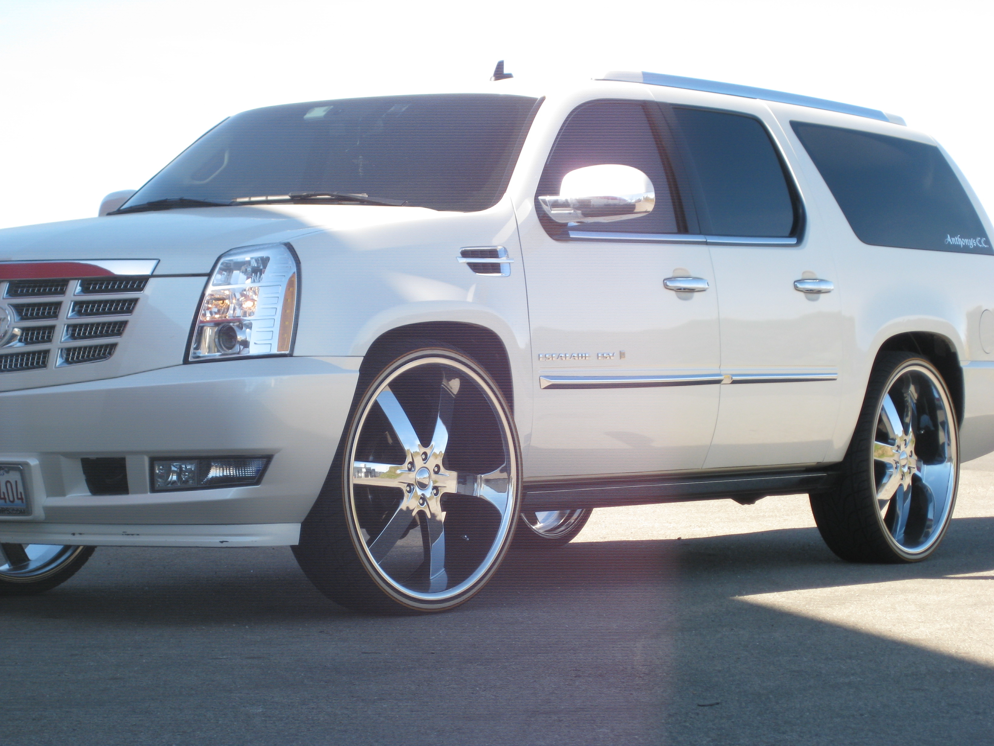 with escalade news platinum amazing cadillac esv ratings msrp reviews
