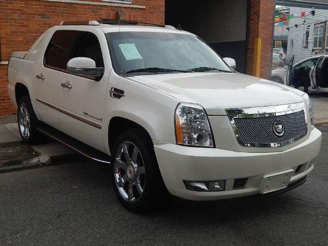 Cadillac Escalade EXT Base #4