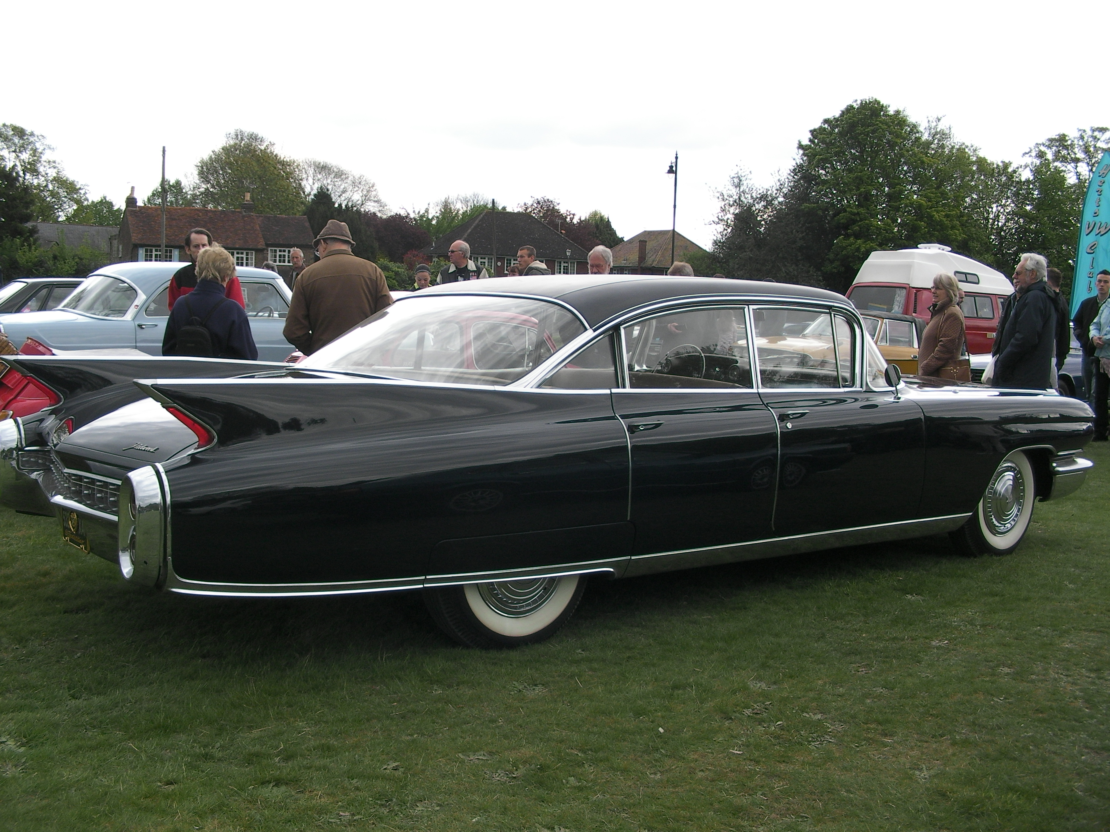 coupe rare s elegance car cadillac with sale de displacement pin fleetwood very a the engine for brougham thomas