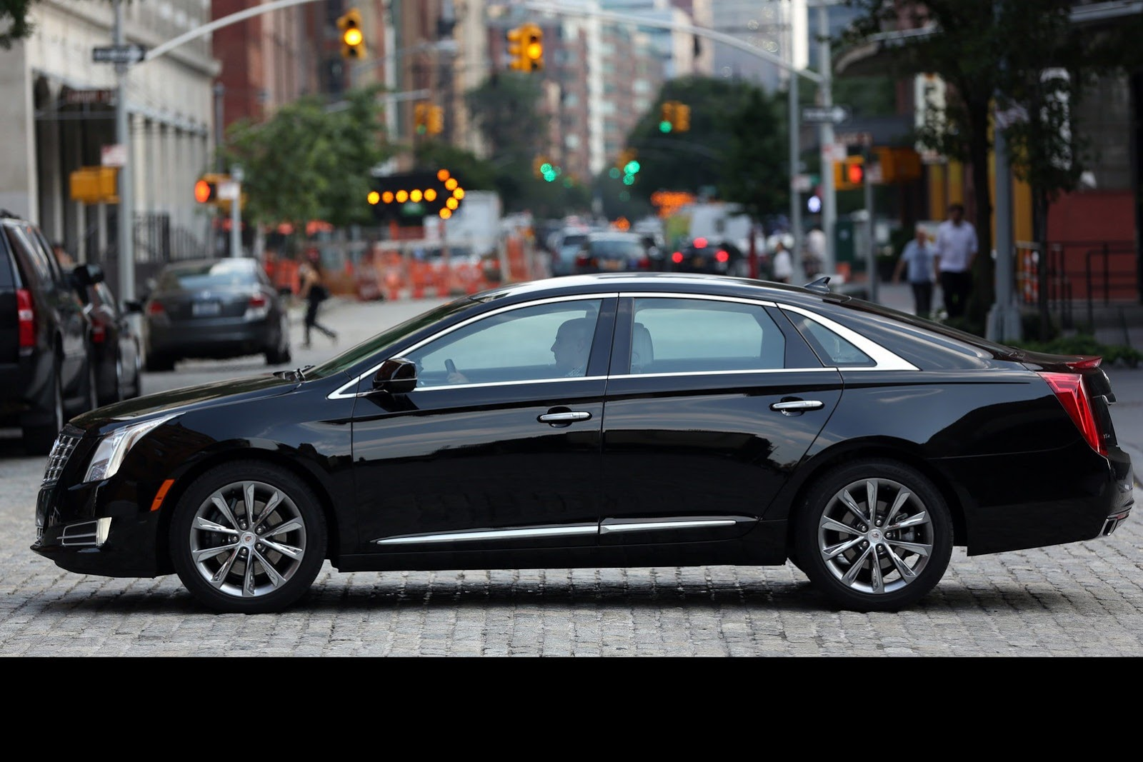 2013 cadillac xts information and photos momentcar. Black Bedroom Furniture Sets. Home Design Ideas