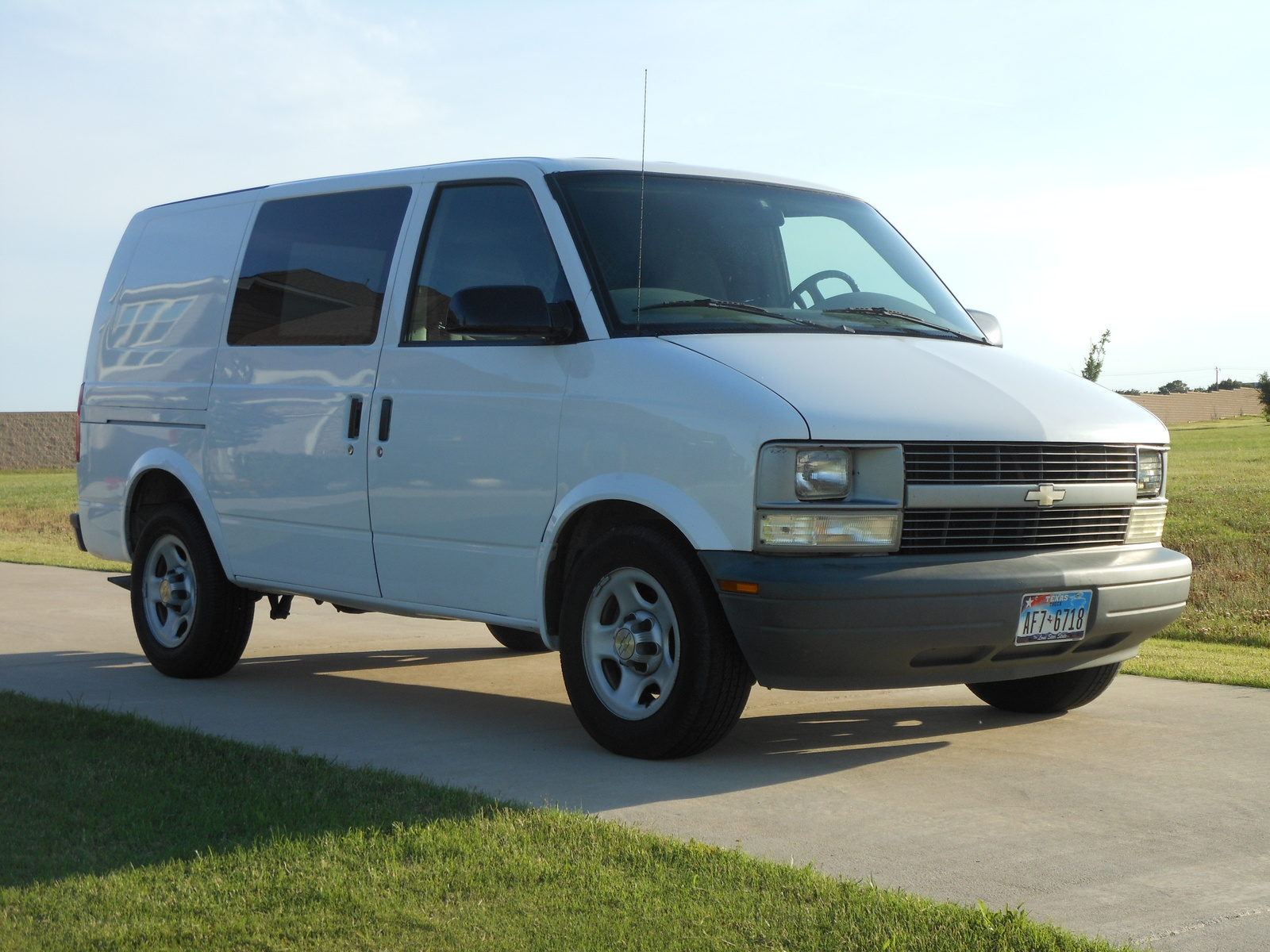 2005 chevrolet astro cargo information and photos momentcar. Black Bedroom Furniture Sets. Home Design Ideas