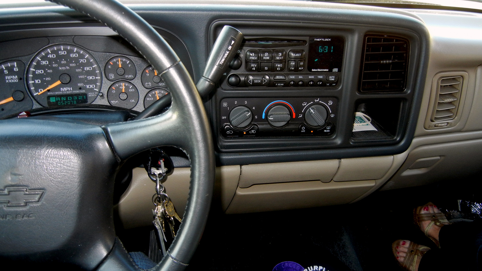 All Chevy 2002 chevy models : 2002 Chevrolet Avalanche - Information and photos - MOMENTcar