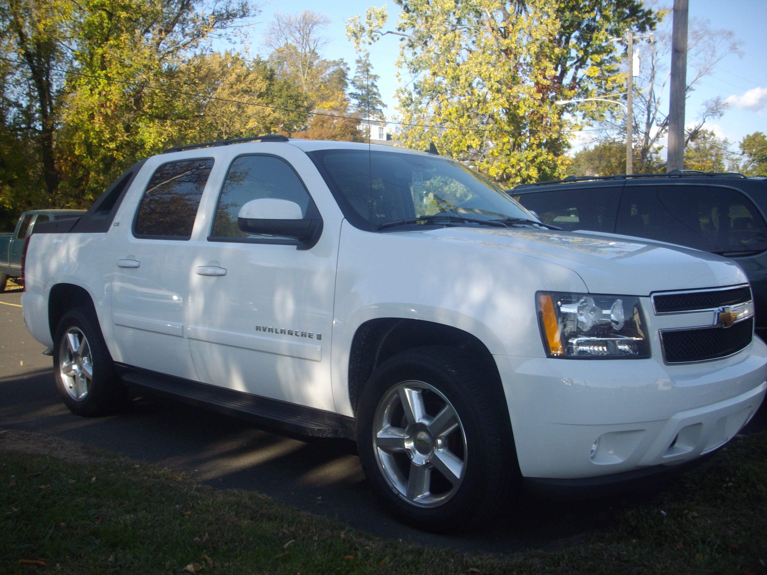 2008 chevrolet avalanche information and photos momentcar. Black Bedroom Furniture Sets. Home Design Ideas