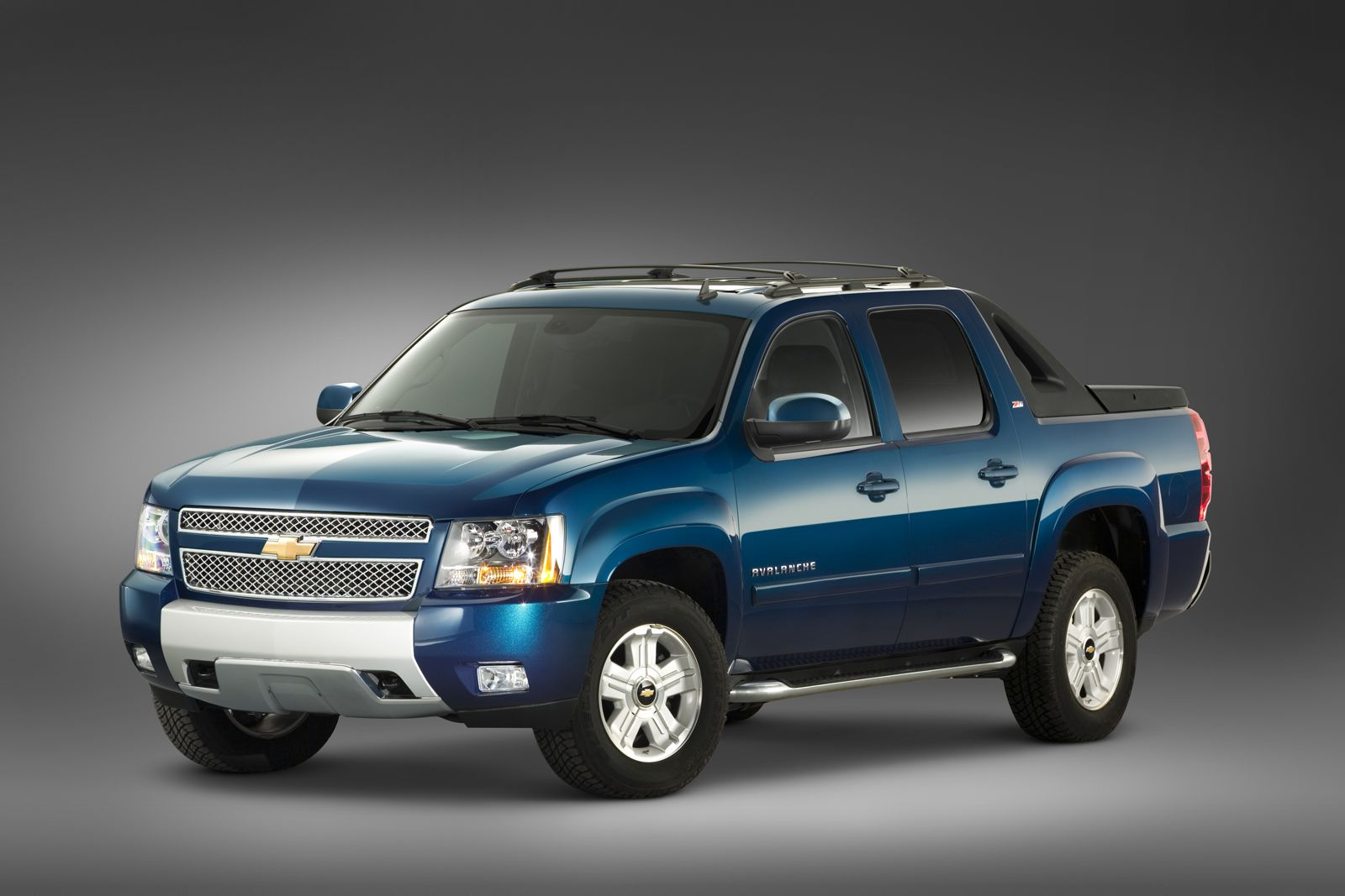 2012 Chevrolet Avalanche - Information and photos - MOMENTcar