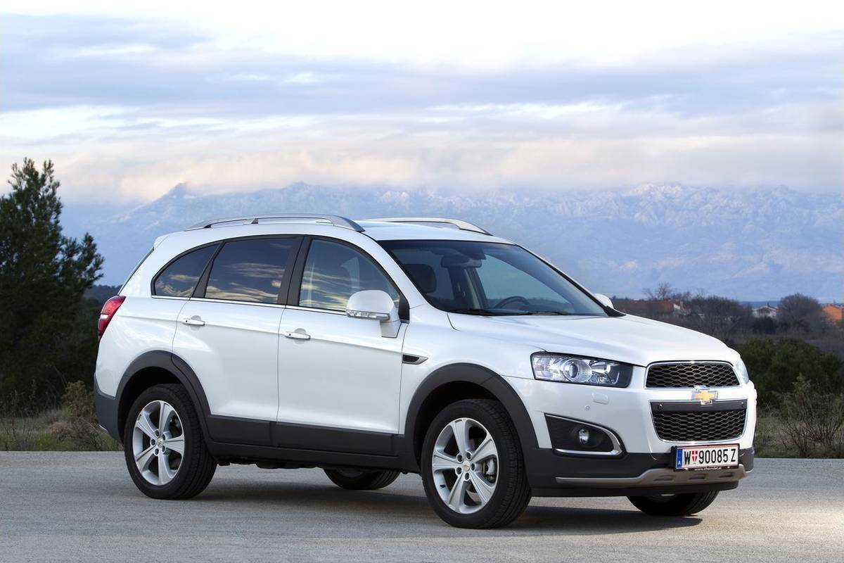 2014 chevrolet captiva sport information and photos momentcar. Black Bedroom Furniture Sets. Home Design Ideas